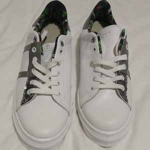 Le Crown White Sneakers